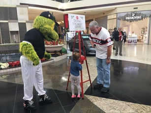 Salvation Army Kettle Bell Ringing Day for the White Sox